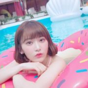 【画像】HKT48宮脇咲良、水着ショット公開wwww