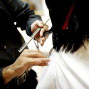 【驚愕】28歳美容師の俺の給料がこちら…