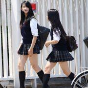 【画像】カモシカ足JK、見つかるwww